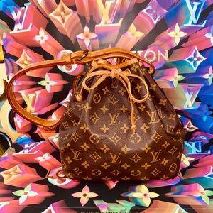 🎉🎉🎉Authentic Louis Vuitton Petit Noe